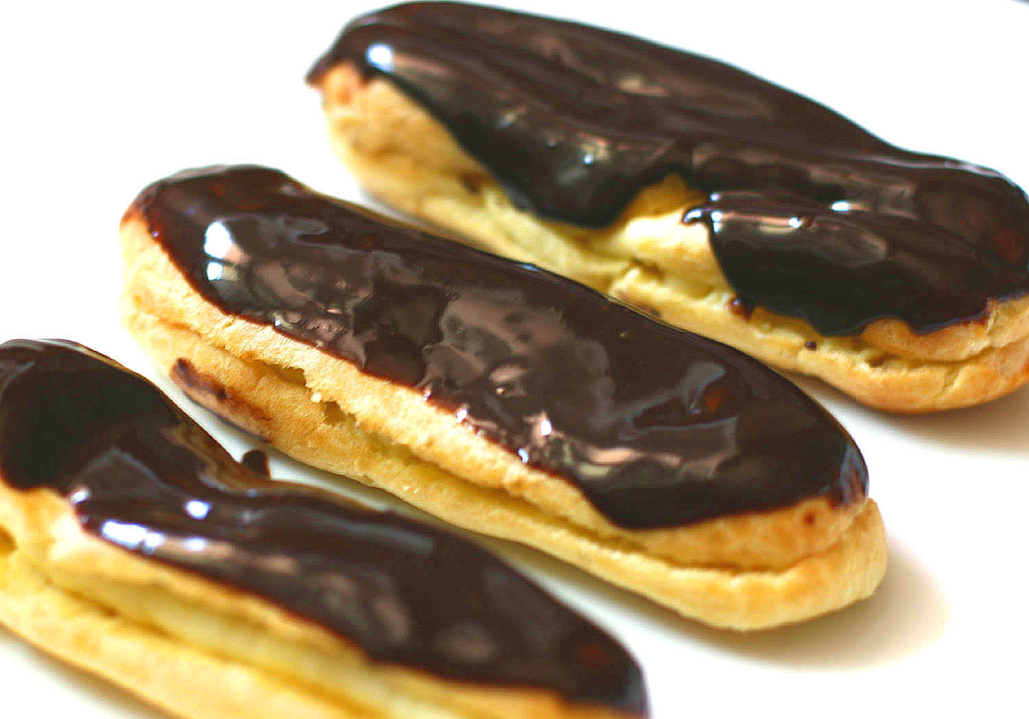 love eclairs !: Eclairs and Macaroons
