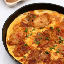 Chicken With Eggs (Toyug Chighirtmasi)