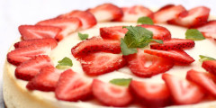 Strawberry Cheesecake - Daring Bakers Challenge