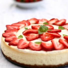 Strawberry Cheesecake - Daring Bakers Challenge