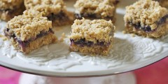 Blueberry-Oatmeal Crunch Bars
