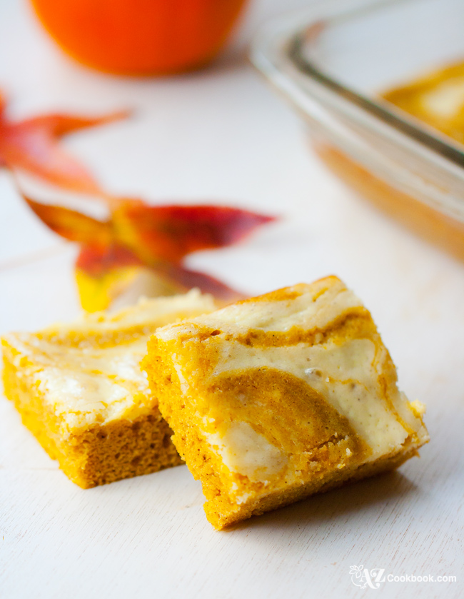 Swirled Pumpkin-Cream Cheese Cake Bars